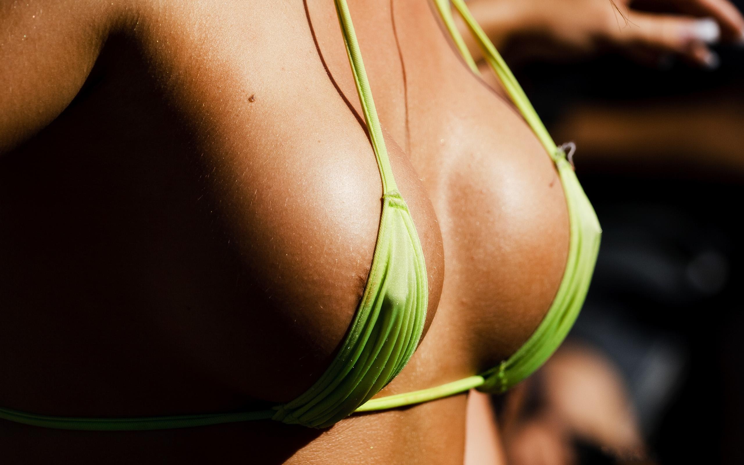 Фото голых девушек попок сисек извиняюсь